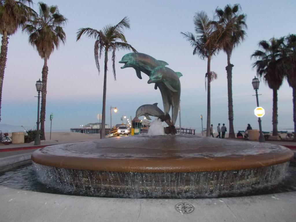 The dolphin fountain!