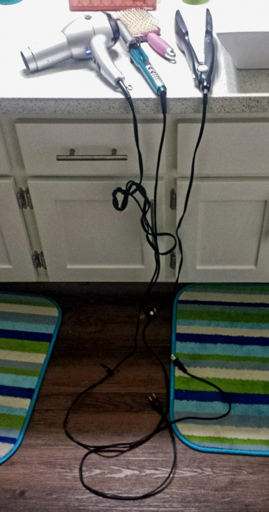 Ugly tangled cords