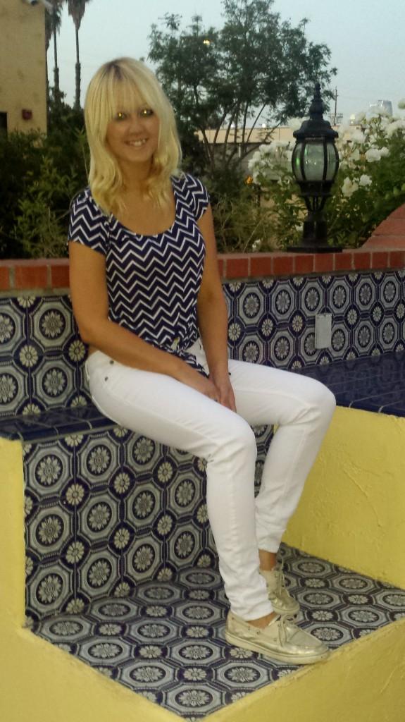 Blue nautical shirt, white pants, sperrys 3