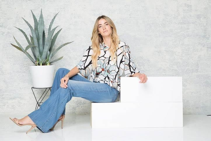 I love that this blouse is both flowy and form-fitting - the best of both worlds